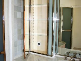 Armoire de toilette à miroir avec étagères en verre